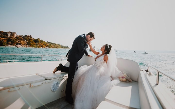 #RealWeddings: This Couple Flew To Italy's Most Romantic Lakeside Destination For Their Summer Wedding